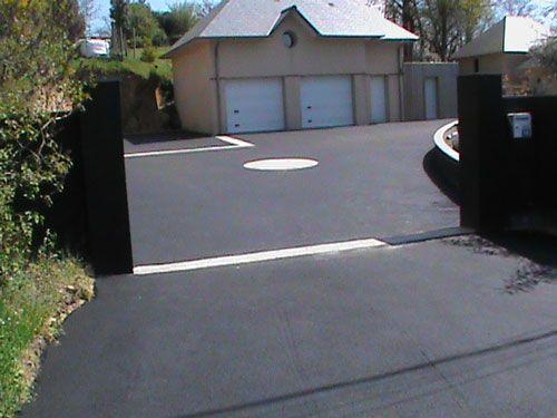 Enrobé noir et motifs pavés granit – Savenay